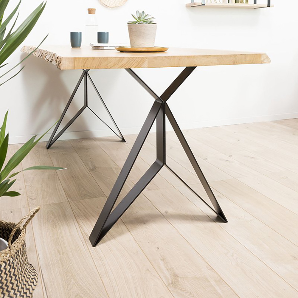 La disposition des pieds de la table
