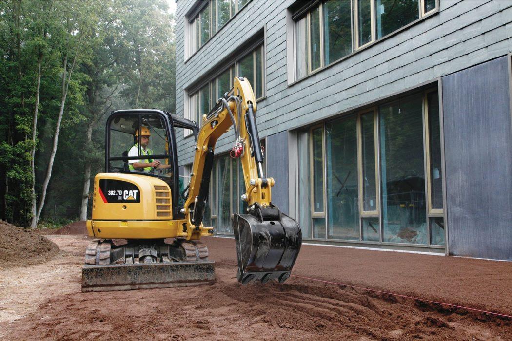 mini pelle pour chantiers de terrassement