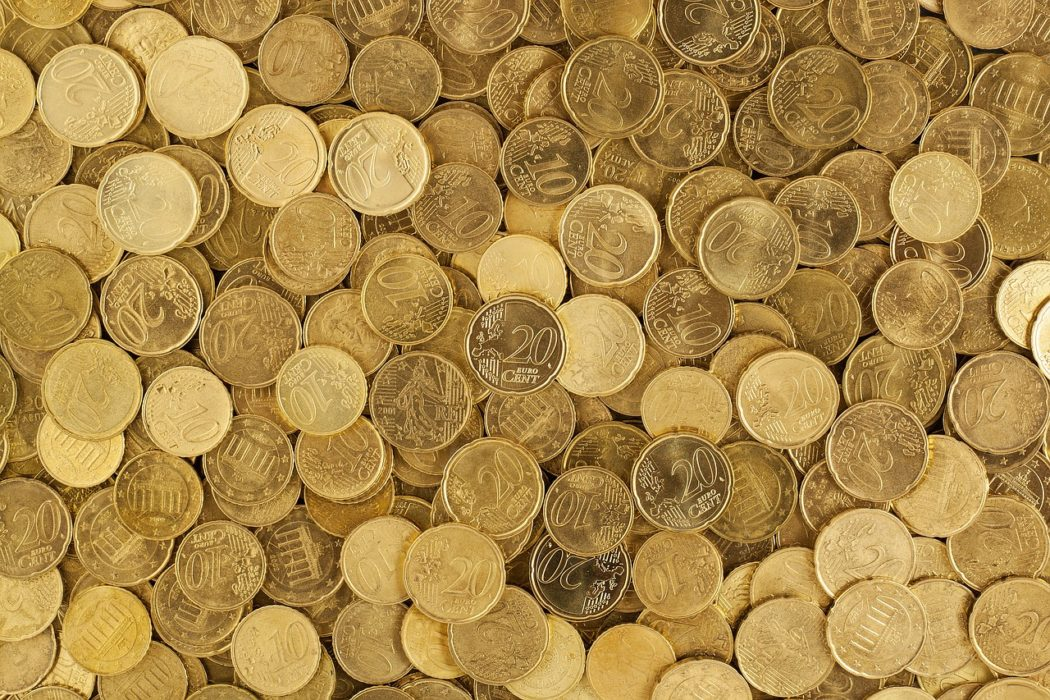 grande collection de pièces de monnaie