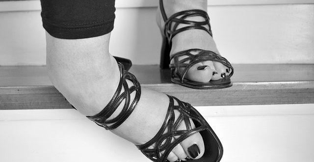 entorse du pied ostéopathie kinésithérapie