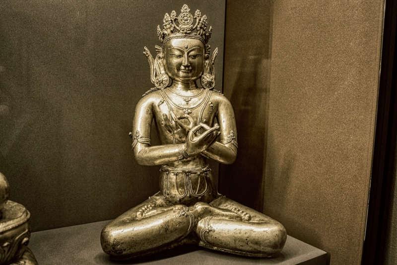 statue tibet