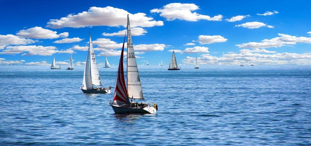 vent qui déplace un voilier